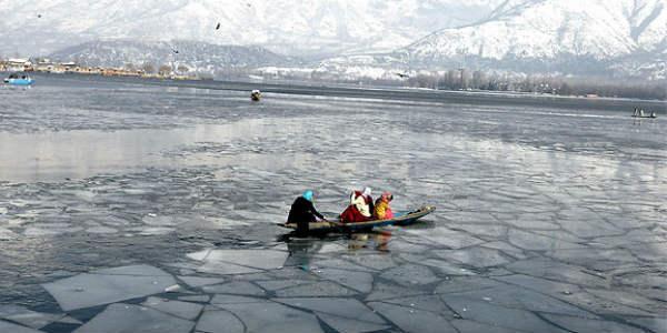 Kashmir records season's coldest day