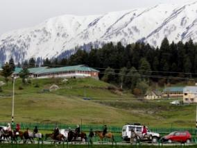 Weather improves in J&K