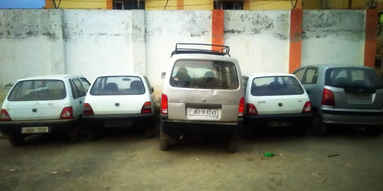 Srinagar Police busted gang of car lifters, 05 vehicles recovered